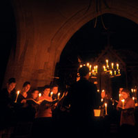 Sarum Voices sing carols by candlelight